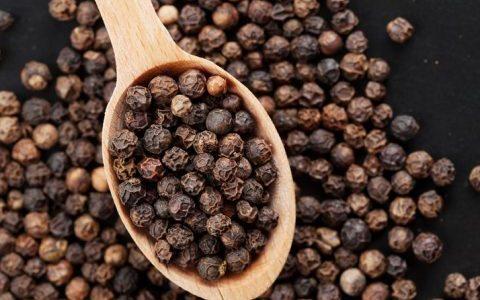 Giá nông sản hôm nay 23/12: Cà phê vụt tăng trước lễ Noel, giá tiêu chững lại